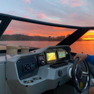 Power boat screens